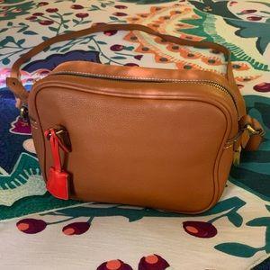 Like New! J. Crew Signet bag in Italian leather